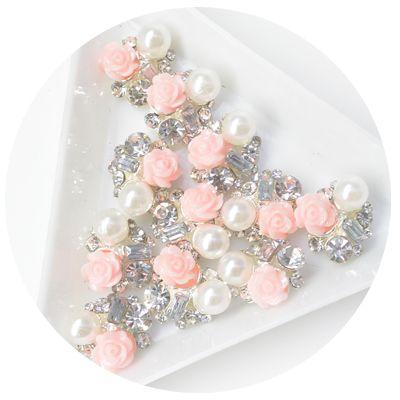 H31 立體綜合鑽飾 - 花+珍珠 10入